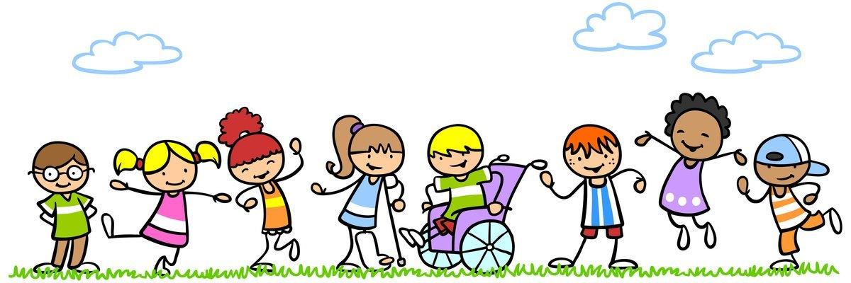 Aktive und behinderte Kinder spielen in der Natur